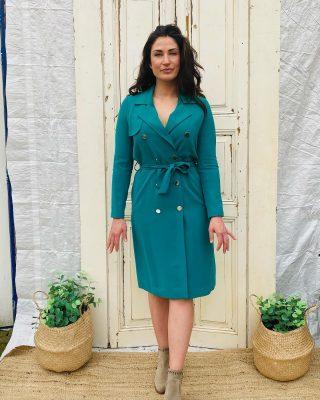 There is no beauty without color 🌈🟩 Morgan groene trenchcoat mt 38 € 39 Gevoerd en met lint , zilveren knopen ✨