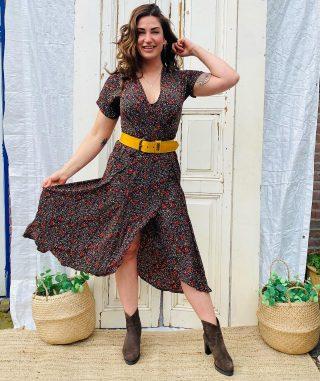 Add a little bit of Spring yellow! ☀️☀️☀️ Overslag jurk Rourou jurk mt M/L € 29 70% zijden, heerlijk dun materiaal Leren gele riem mt L € 15 ✨
