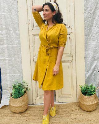 """""""A year from now you may wish you had started today."""" ♥️ Okergele  linnen jurk van la Fee Maraboutée mt 40 € 49 Vintage sjaaltje € 5 Rollie gele gymp € 55, leer en heerlijk licht! Mt 37/38/40 en 41"""